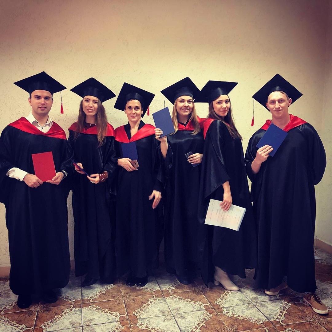 Успешная защита и вручение дипломов магистрам направления «Управление персоналом»